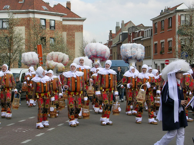 http://www.lachapelleaupuits.be/images/stories/carnaval.jpg